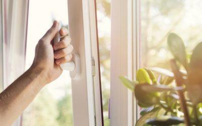 ¿Qué ventajas tienen las ventanas oscilobatientes?